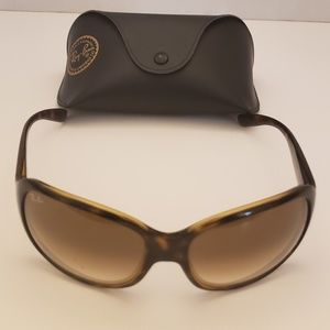 Womens Ray Ban Model rb4118 with case Sunglasses